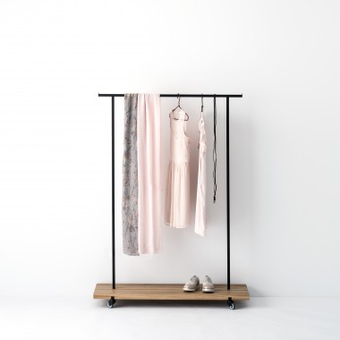 weld co kleiderstange eiche 01. Black Bedroom Furniture Sets. Home Design Ideas