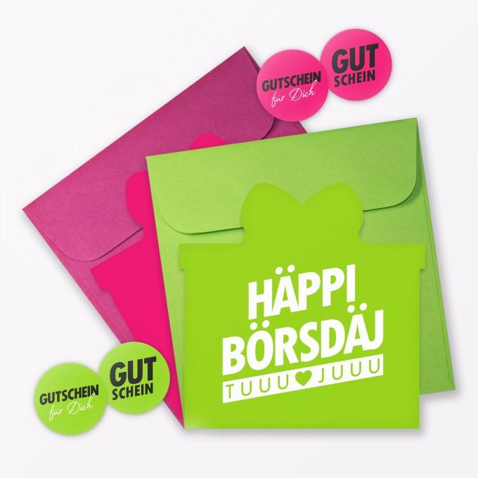 """TYPOP 2-teiliges Set Geburtstagskarten """"Häppi Börsdäj"""" in Geschenkform inkl. 2 Umschläge + 4 Sticker"""