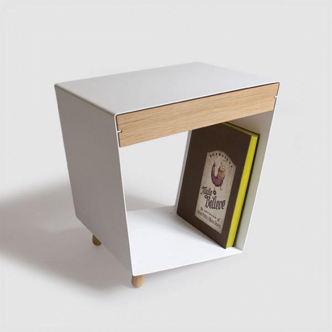 chris+ruby 12° Tisch mit Schublade weiss