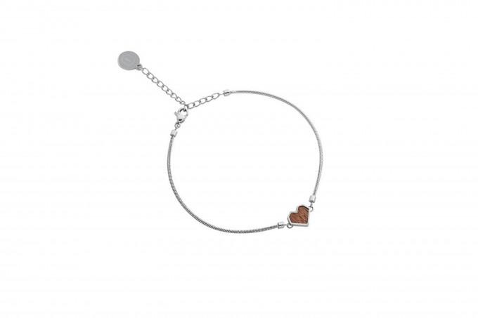 "BeWooden Armband mit Holzdetail - Motiv Herz - ""Red Bracelet Heart"""