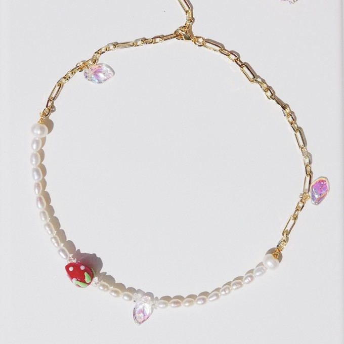 Valerie Chic - HAPPY STRAWBERRY Perlen Kette - 18 Karat vergoldet, 1 Kette 2 Stile