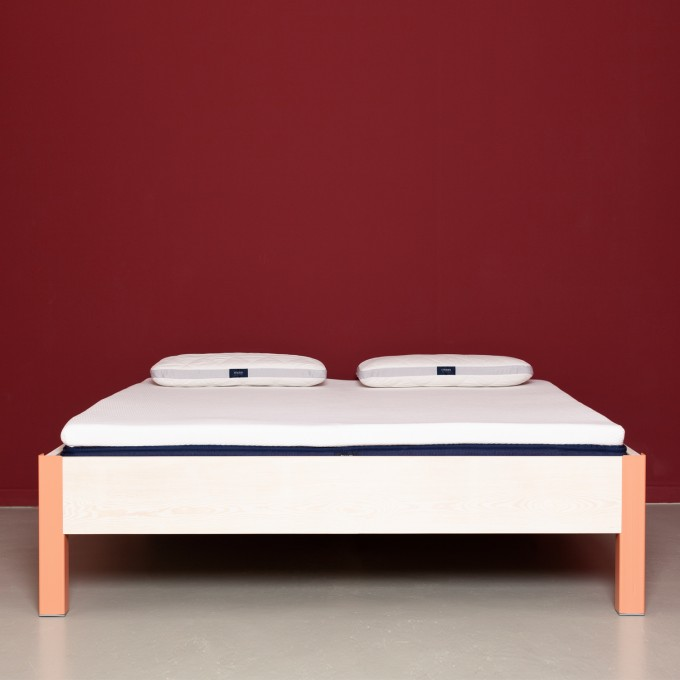 JOHANENLIES | Bett aus recyceltem Bauholz und Stahl | ALTIERS