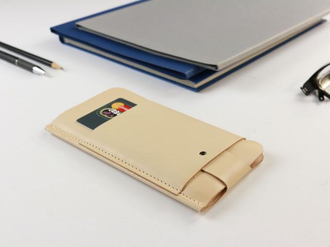 Alexej Nagel iPhone 6/6S Slim Fit Hülle aus Leder in Farbe natur [natur]
