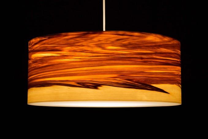 Pendelleuchte CROWN aus Echtholzfurnier 'Satin Nussbaum Kern/Splint' (versch. Durchmesser)