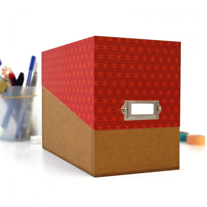 sperlingB – Box mit rotem Deckel und Etikettenschild, Sammelbox mit Registern und Blankokarten, Kiste zum Aufbewahren