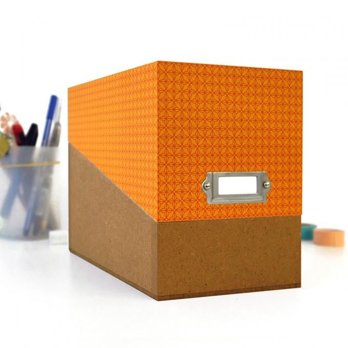 sperlingB – Box mit orangefarbenem Deckel und Etikettenschild, Sammelbox mit Registern und Blankokarten, Kiste zum Aufbewahren