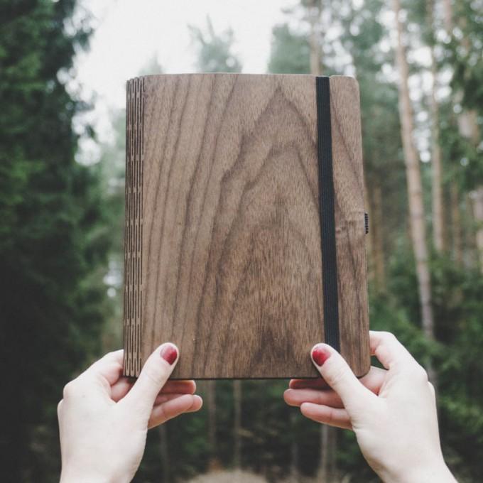 JUNGHOLZ Design Notizbuch, WoodBook, Walnuss