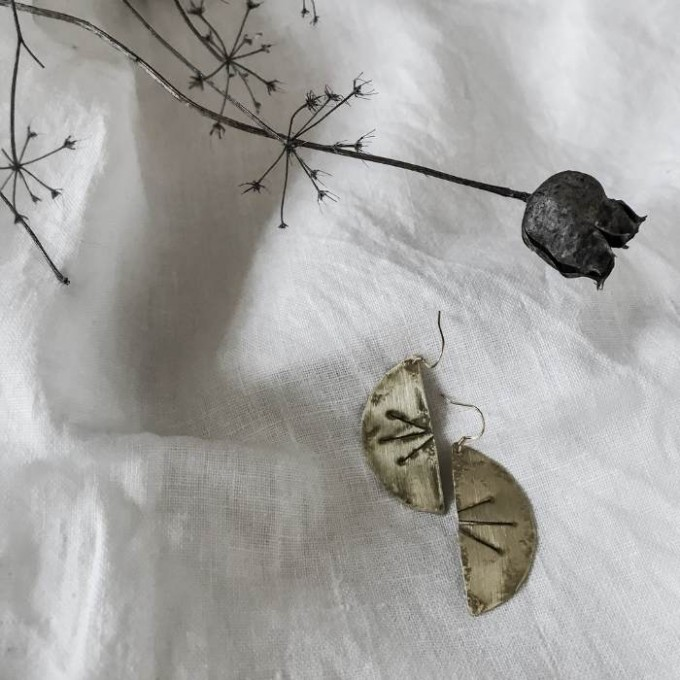 IDA PING Jewelry EASY // EARRINGS HALF MOON