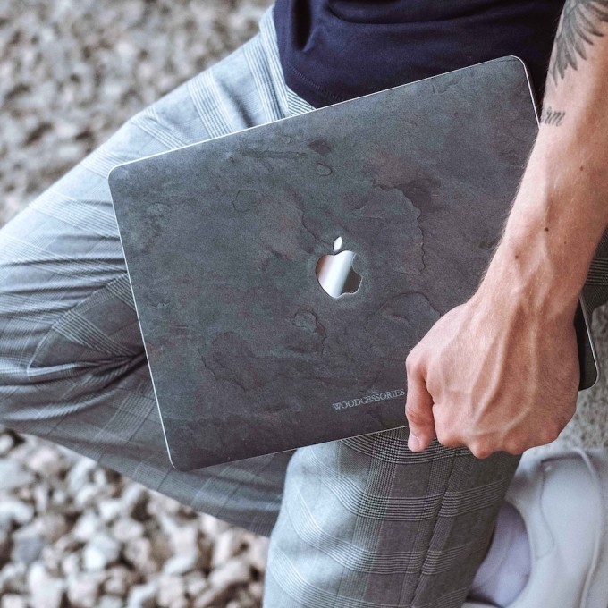 "Woodcessories - EcoSkin Stone - Design Apple Macbook Cover, Skin, Schutz für das Macbook aus hochwertigem Stein (Macbook 15"" Pro Retina (until 2016), Volcano Schwarz, Camo Grau, Antik Weiß, Canyon Rot)"