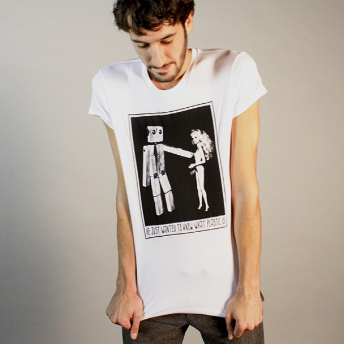 """KINDERGELD ORGANIC Mens Roll Sleeve T-Shirt """"PAUL"""" (he just wanted to know what plastic is)"""