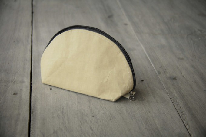 Federmappe, Kulturbeutel, handgefertigtes Etui aus Zementsack-Papier BY COPALA