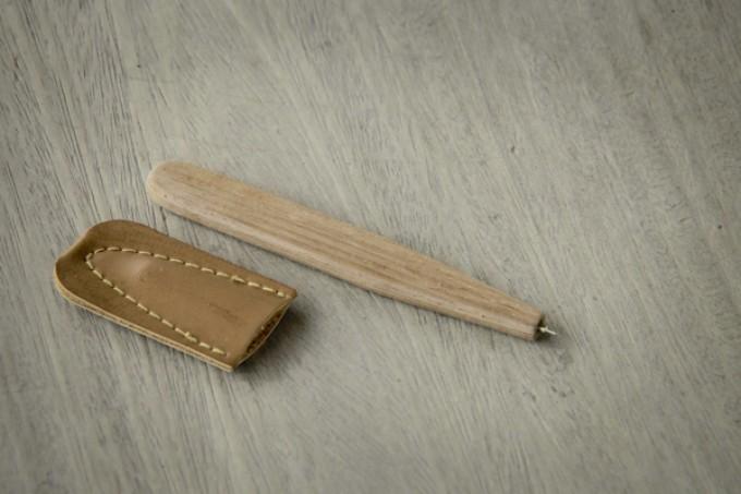 Stift aus Holz mit Lederhülle handgefertigt BY COPALA