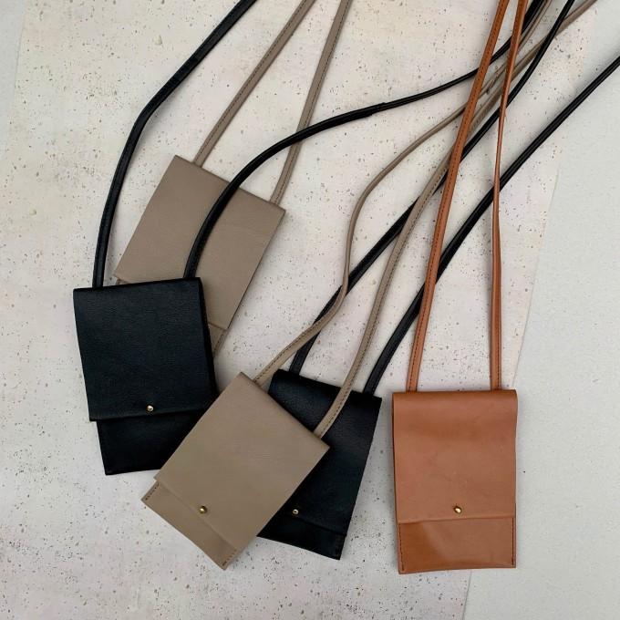 STUDIO AWEARE Handtasche / Phonebag PHINE, schwarz und verschiedene andere  Farben, Leder