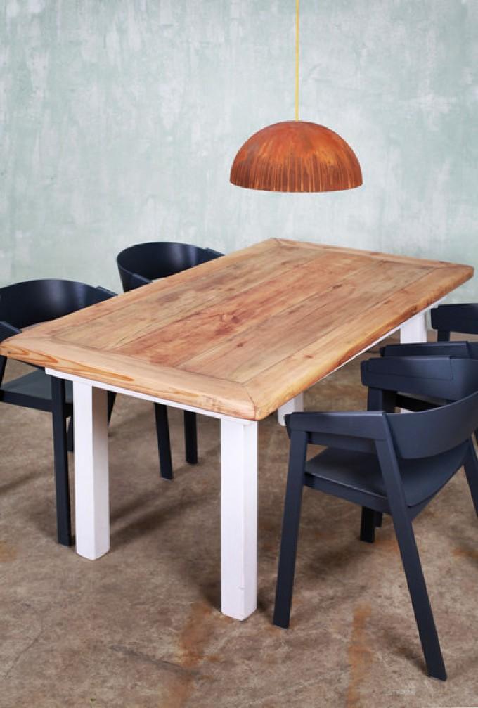 FraaiBerlin – Esstisch im Landhaus-Stil aus Bauholz Jasmijn 170x90