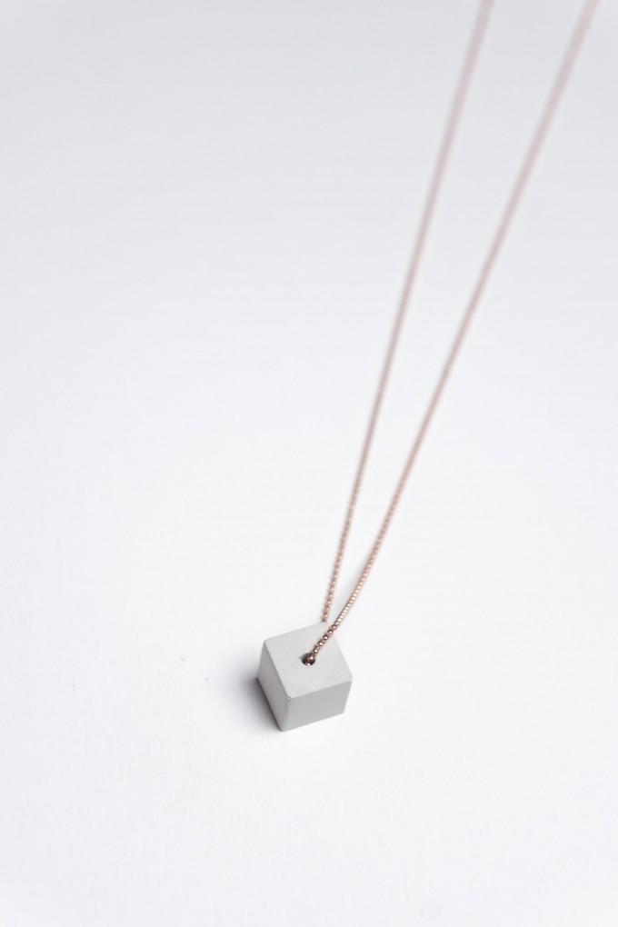 Klunkergrau Betonschmuck | Kleiner Würfel aus Beton