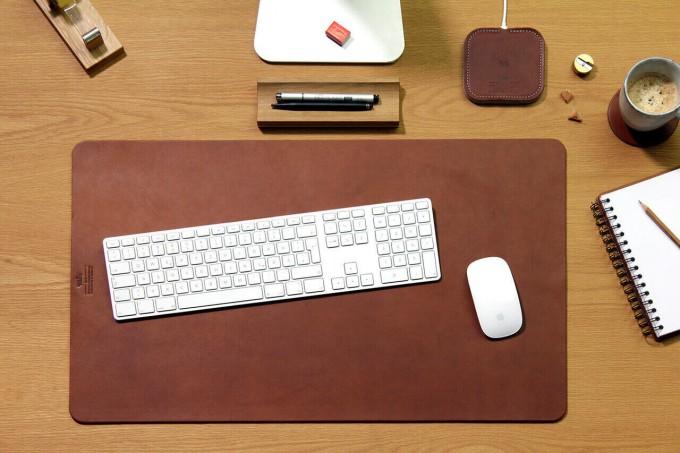 """Pack & Smooch Leder Schreibtischunterlage /Tastaturunterlage """"Richmond"""" mit rutschfester Naturkautschuk Rückseite"""