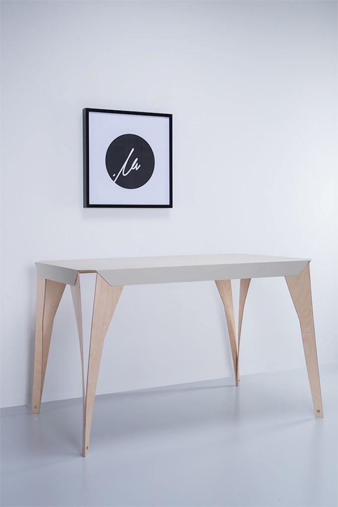MYRA | Schreibtisch