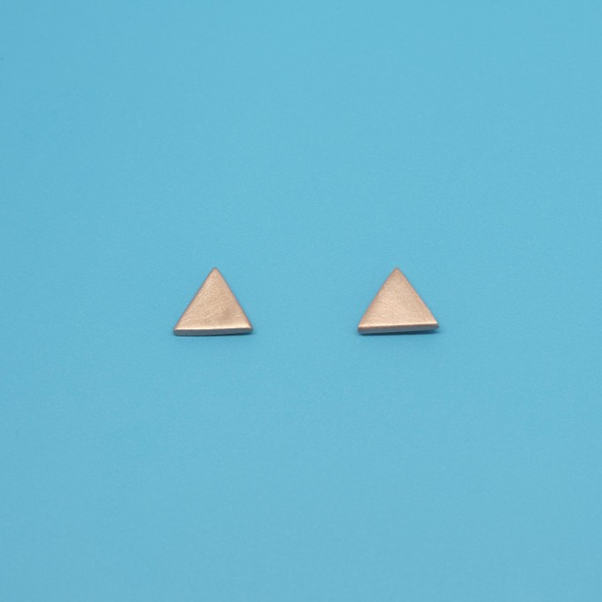 fejn jewelry - Ohrstecker 'satin triangle'
