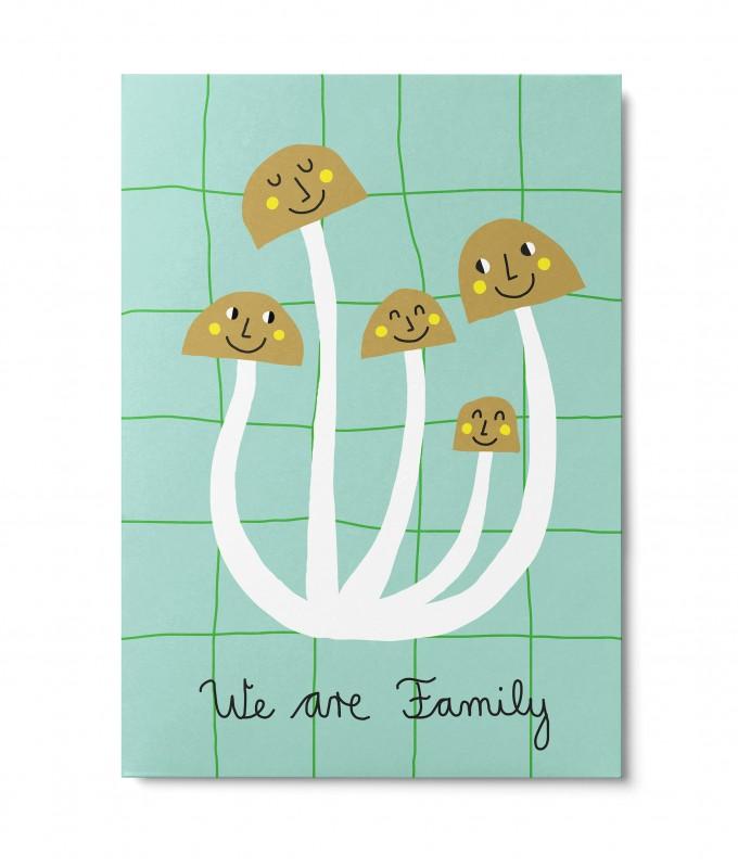 UNTER PINIEN – We are Family – Postkarte