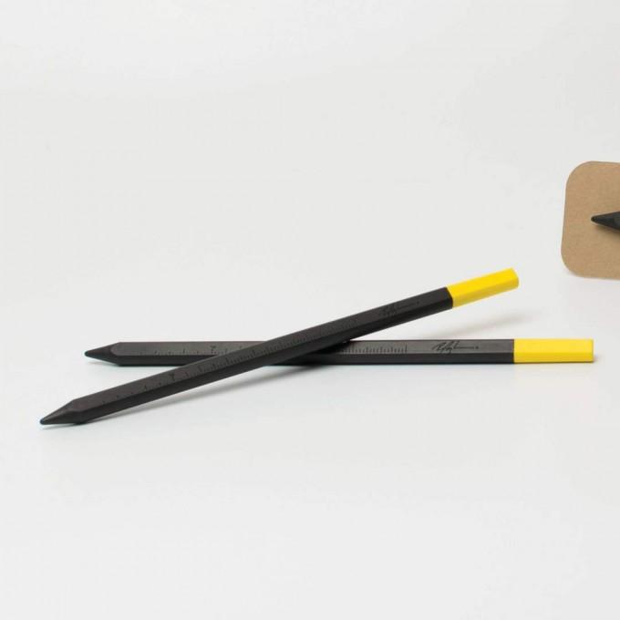 SIGNATURE perpetua   Schwarzer Design-Bleistift mit gelben Radiergummi   Limited Edition   Roman Luyken