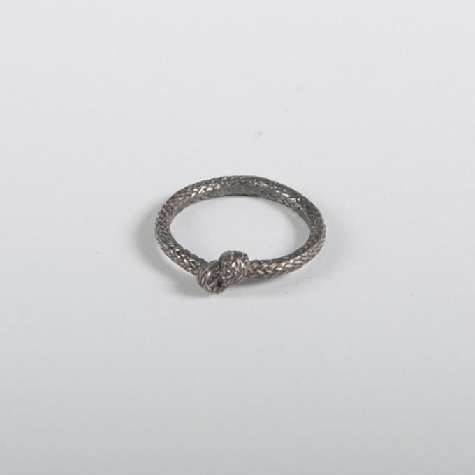 vivian meller jewellery Seilring Silber geschwärzt einfacher Knoten