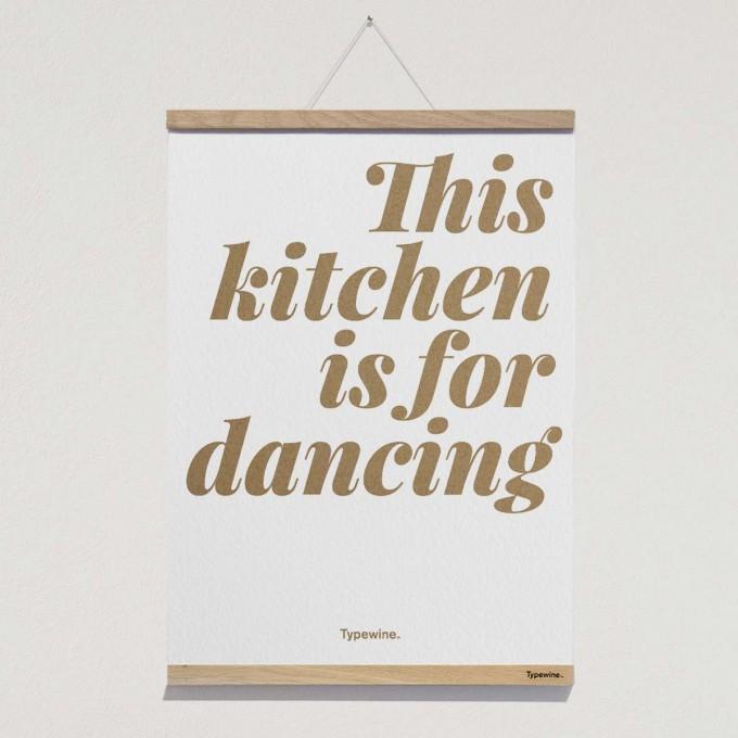 Küchenposter »Dancing« DIN A2 mit Posterleiste von Typewine
