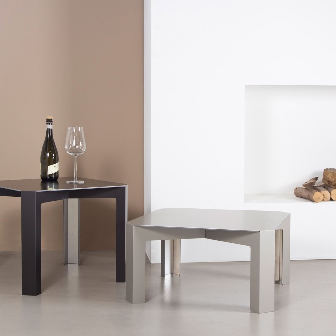 Tisc Couch Table - Aluminium, eloxiert ~ Color Champagner Matt - Hellen Westerhof