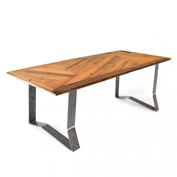 reditum // Tisch mit magnetischen Beinen // lignaro. Eiche Fischgrät 2