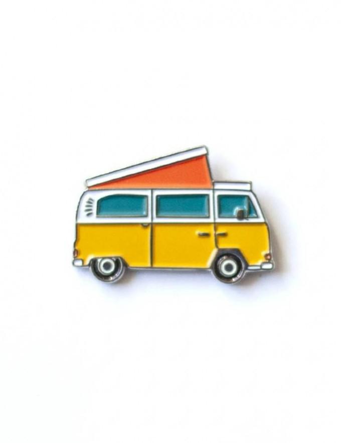 "Emaille-Pin ""BULLI"" von Roadtyping"