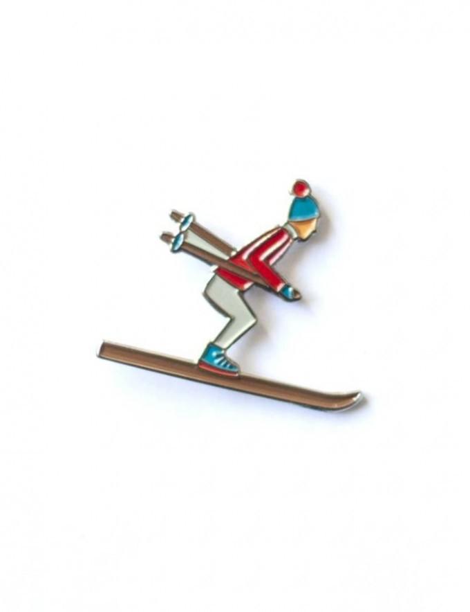 """Emaille-Pin """"Skifahrer"""" von Roadtyping"""