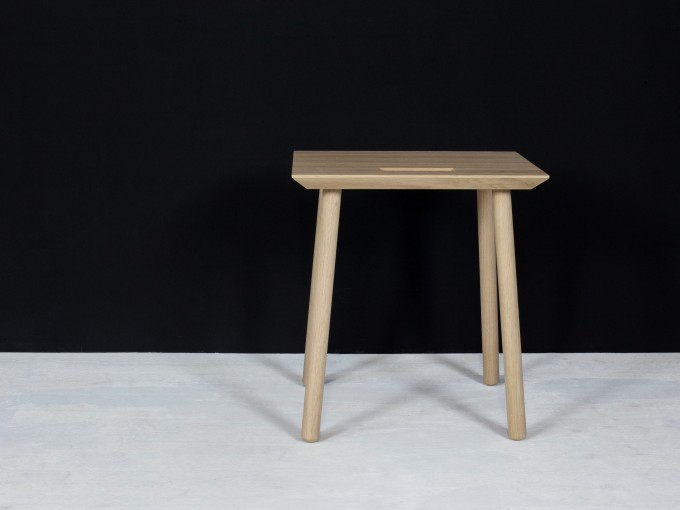 kommod Holzschemel aus Eiche KNOQDI
