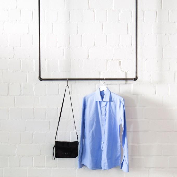 various Kleiderstange für Deckenmontage im Industrial Design · Deckenbefestigte Garderobe SWING