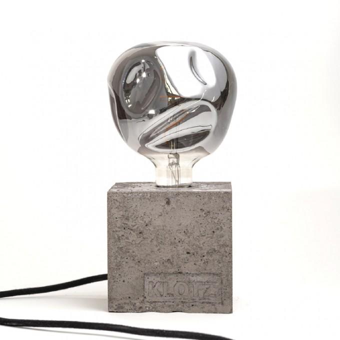 Klotz Betonlampe 'Kohleklotz'