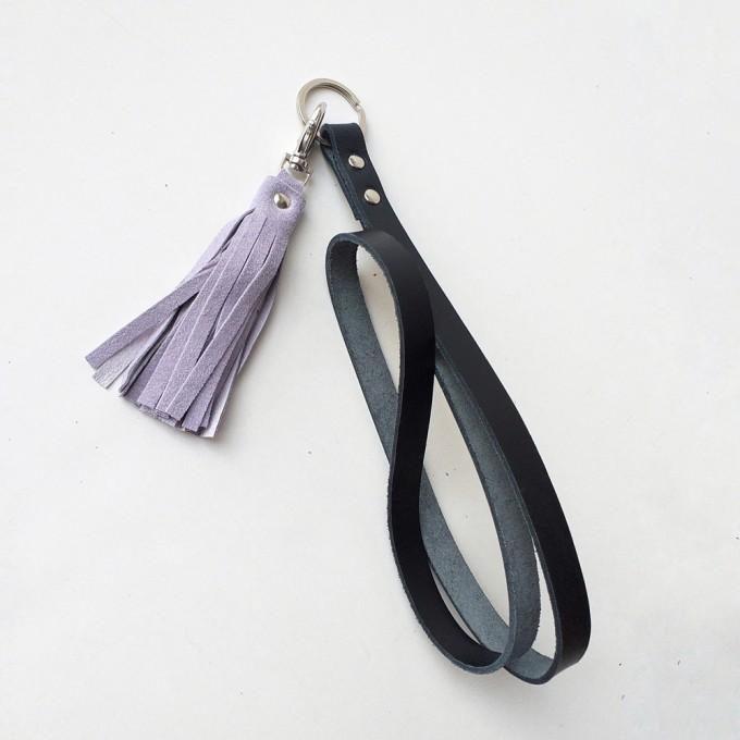Grotkop Collection Schlüsselanhänger NORSK long in schwarz mit flieder oder kupfer/pink Tassel