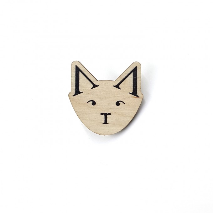 "sonst noch was? Holz Pin ""Typo-Katze"""