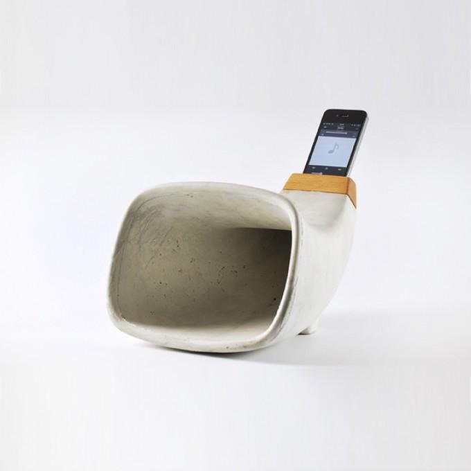 REHFORM iPhone Akustik-Horn aus Beton