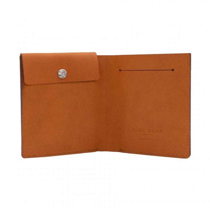 Faltbare Brieftasche mit Münzfach in cognac - aus premium pflanzlich gegerbtem Leder