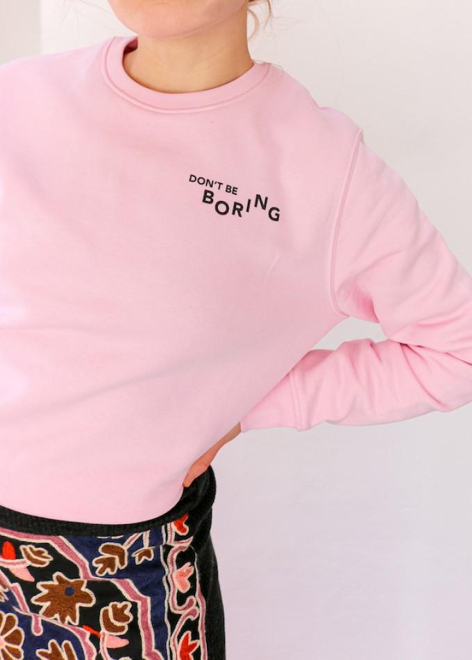 """stahlpink – """"Don't be boring"""" - nachhaltiger Kuschelpullover in rosa"""