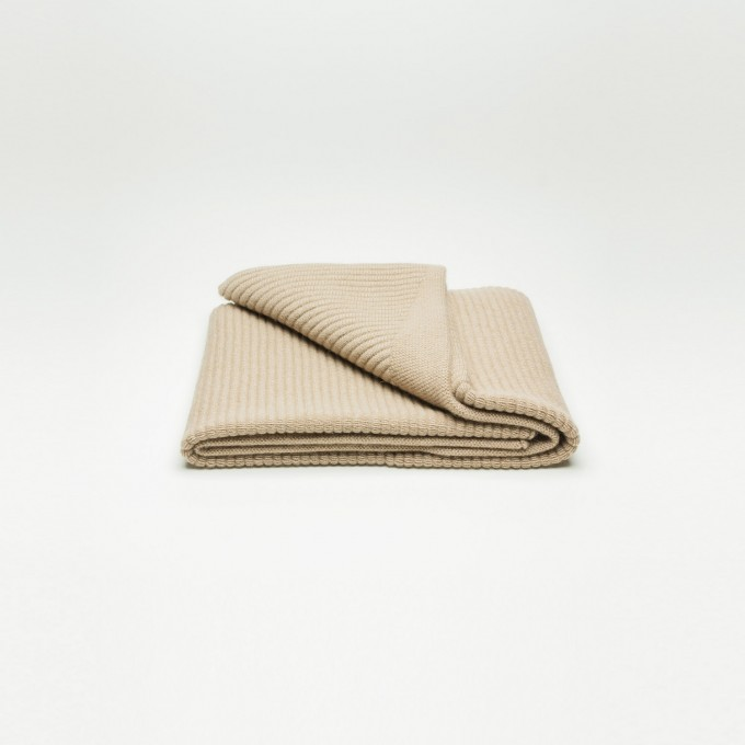 Rimma Tchilingarian – The Oversized Camel Hair Scarf I –  Feinstes Baby Kamelhaar, creme – ungefärbt