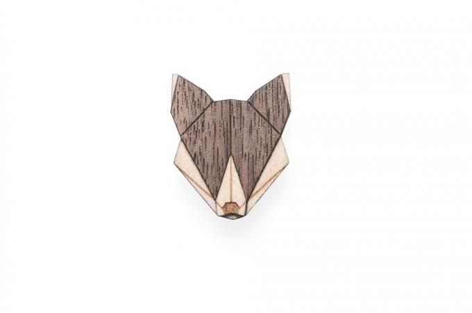 Wolf Brooch von BeWooden