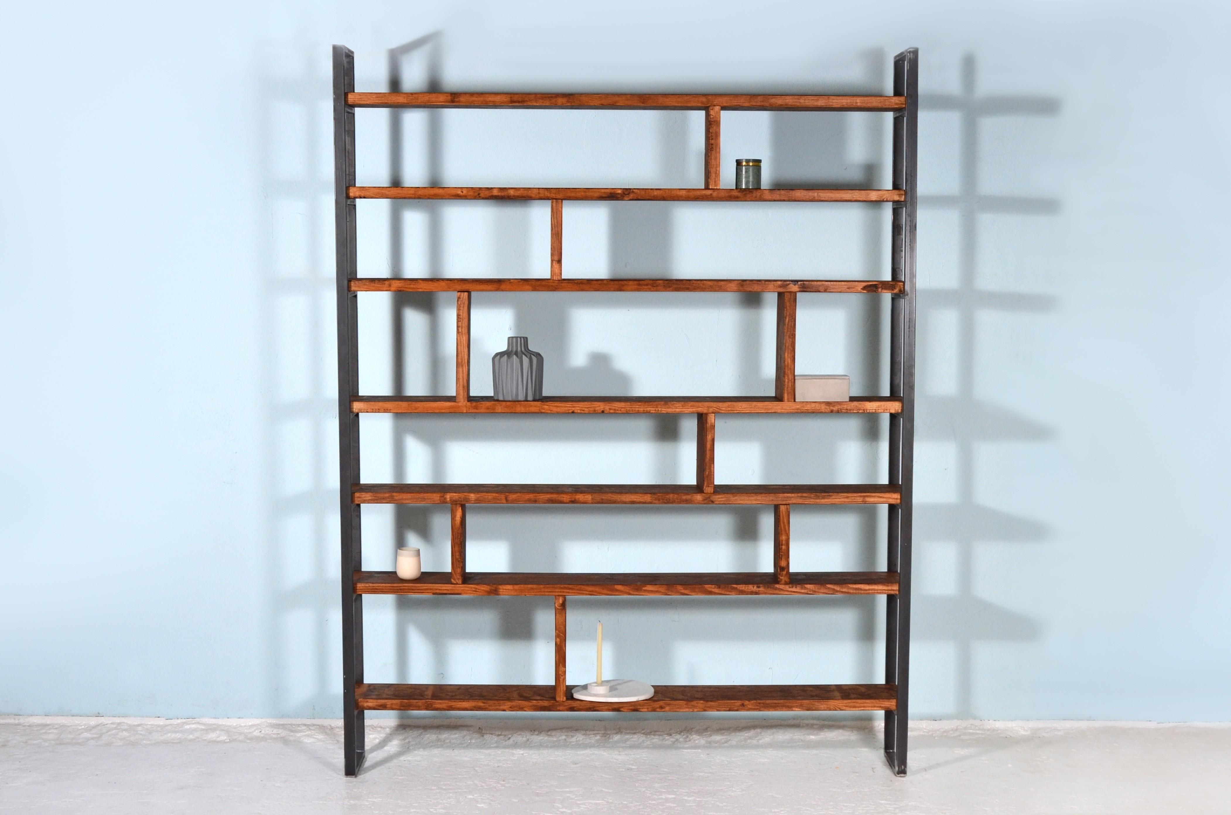 upcycling b cherregal aus ger stbretter eisen susteren zwart. Black Bedroom Furniture Sets. Home Design Ideas