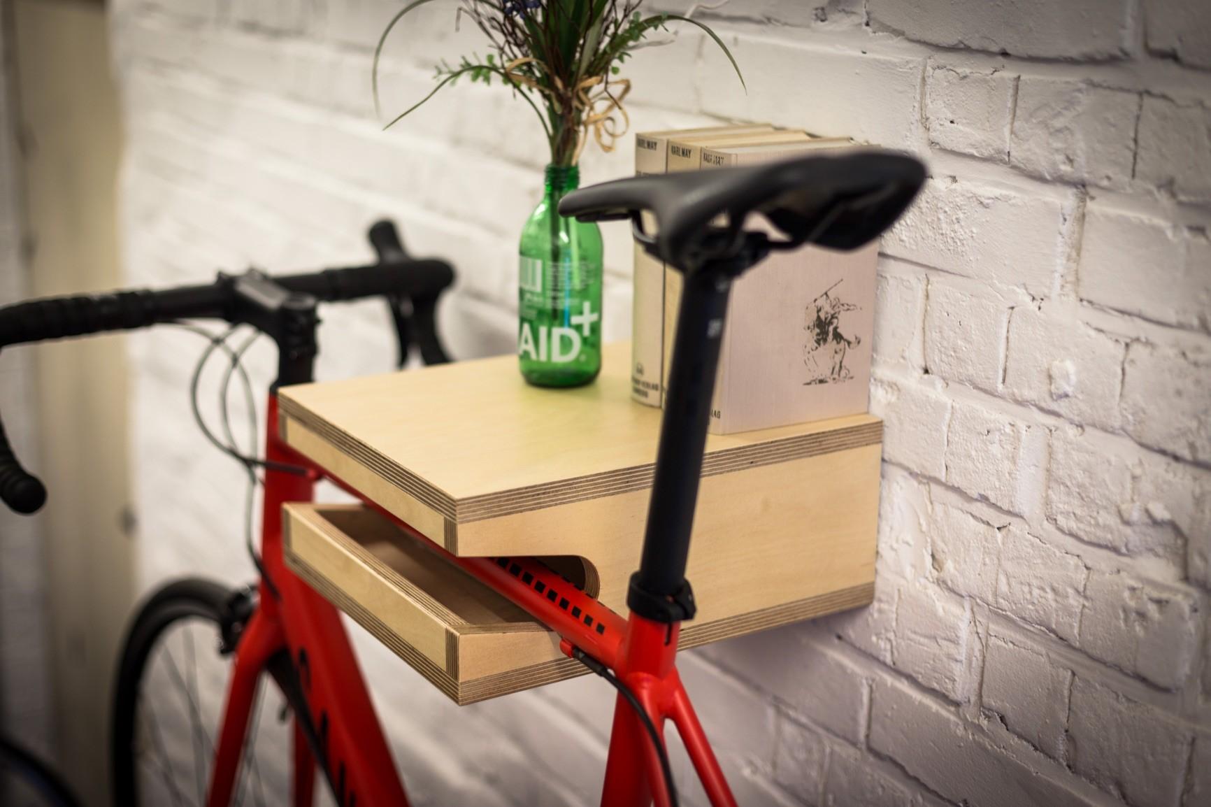 friedrich fahrrad wandhalterung aus holz fahrradwandhalter. Black Bedroom Furniture Sets. Home Design Ideas