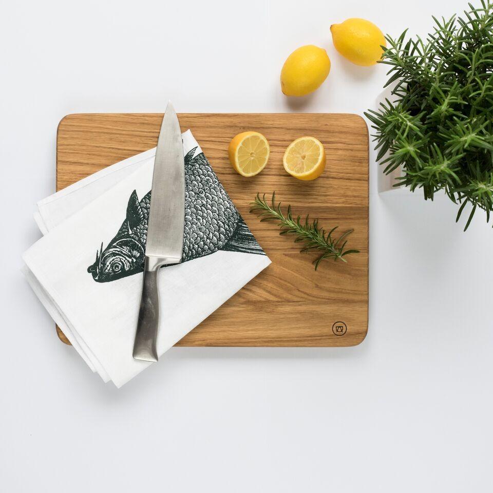 schneidebrett aus eichenholz anton doll holzmanufaktur. Black Bedroom Furniture Sets. Home Design Ideas
