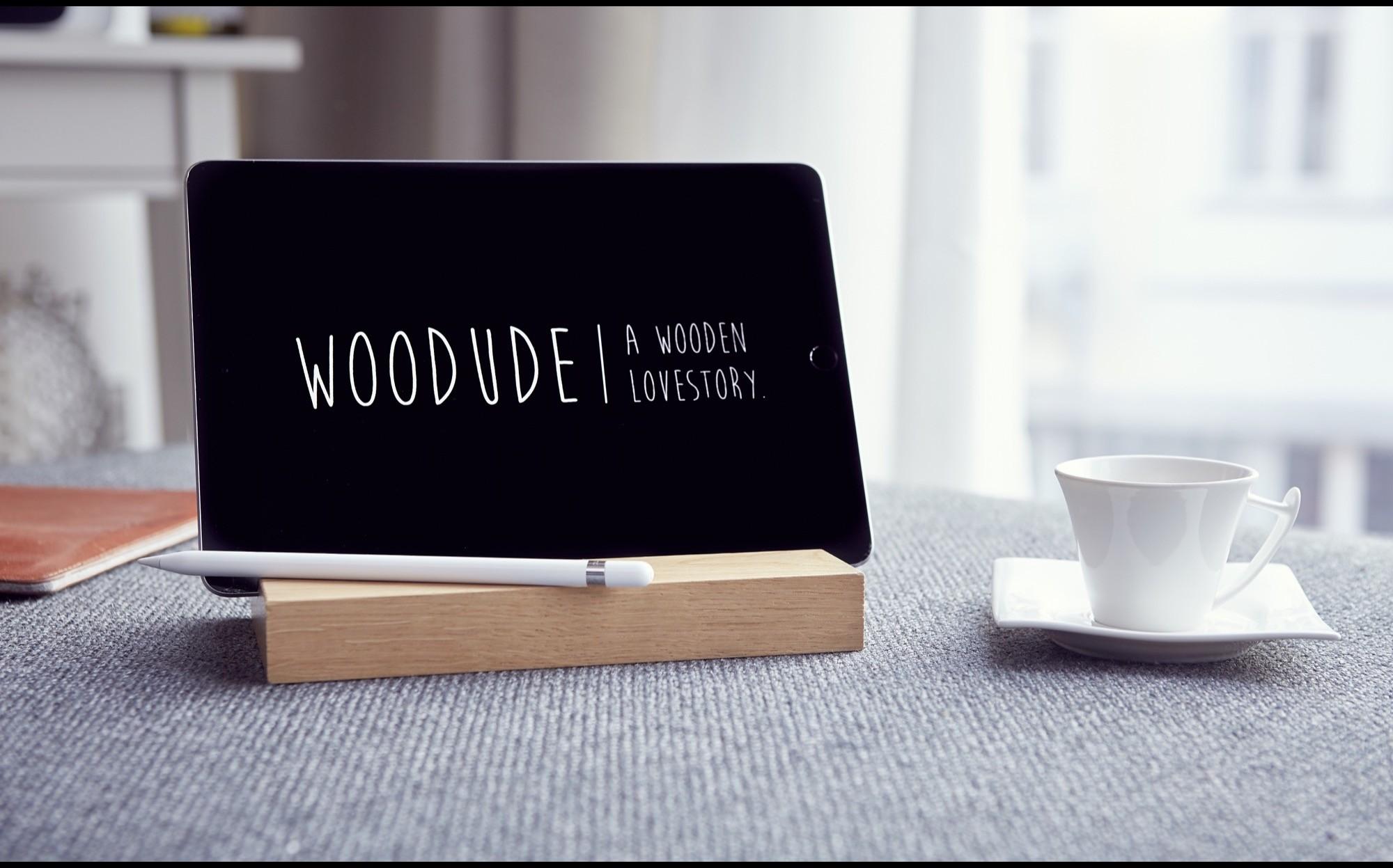 michel ipad halterung aus holz bicycledudes. Black Bedroom Furniture Sets. Home Design Ideas
