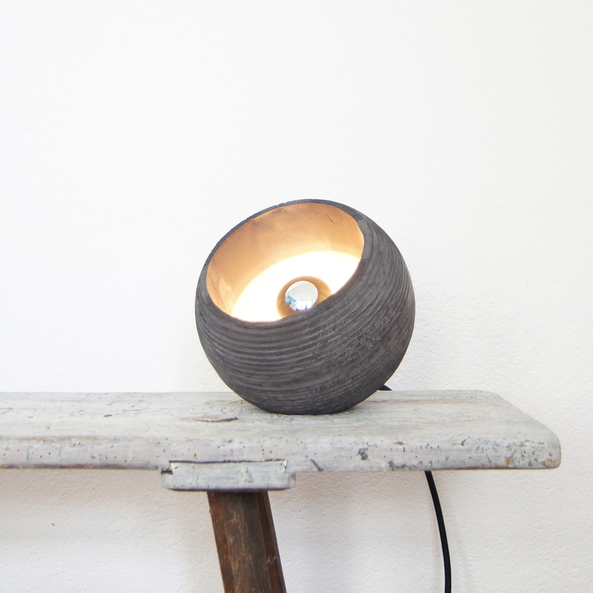 nminus1 beton stehlampe tischlampe in verschiedenen farben. Black Bedroom Furniture Sets. Home Design Ideas