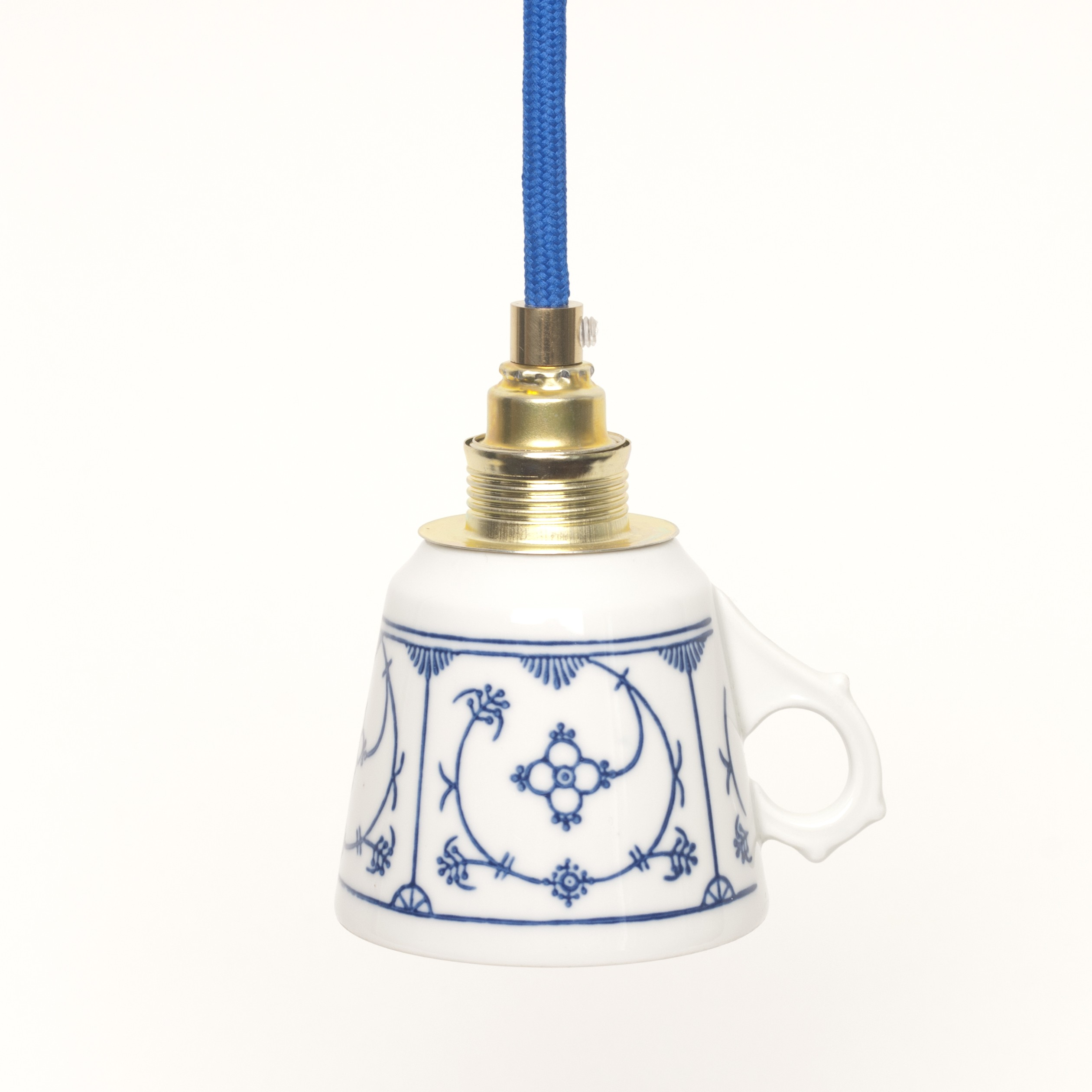 ... aus Vintage-Kaffeetasse mit indisch-blauem Dekor selekkt.com