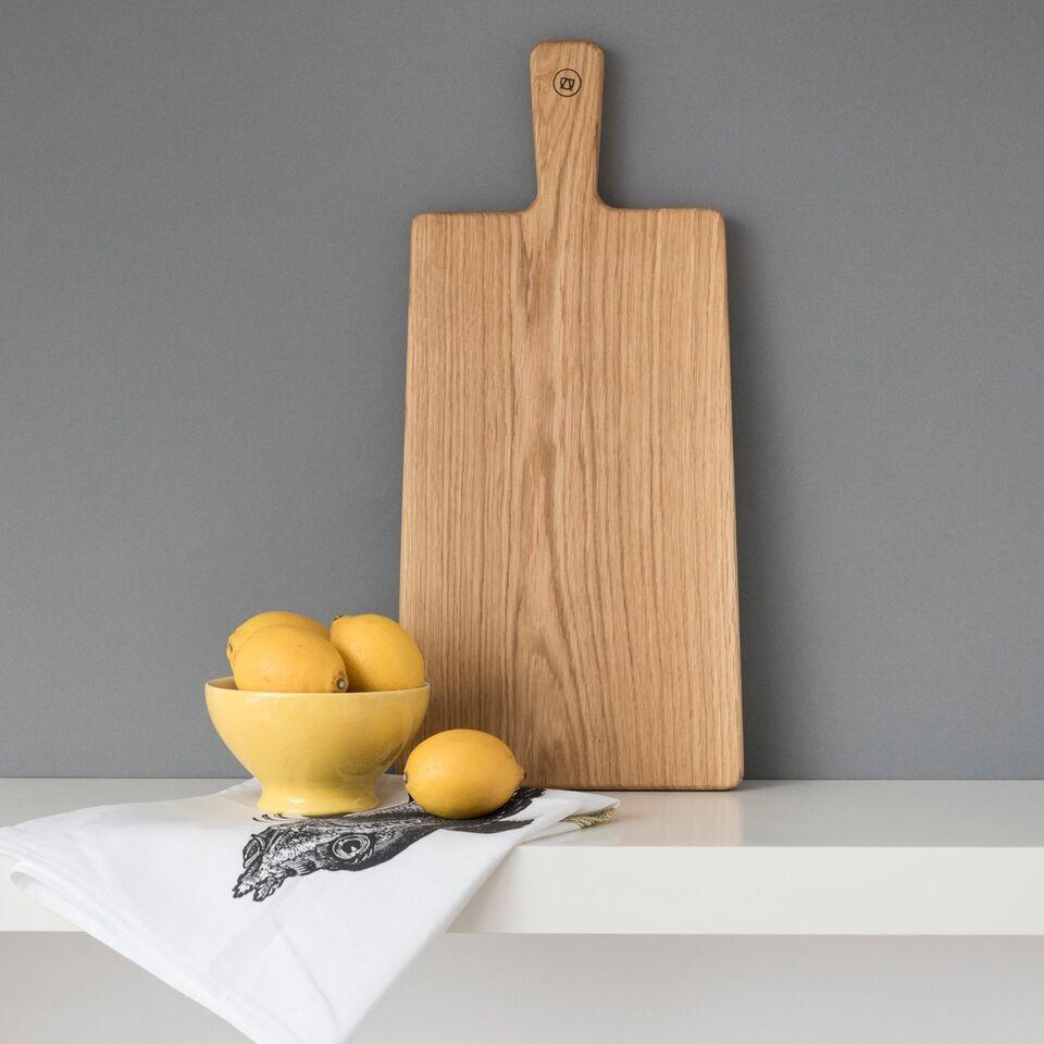 schneidebrett und servierbrett aus eichenholz anton doll. Black Bedroom Furniture Sets. Home Design Ideas