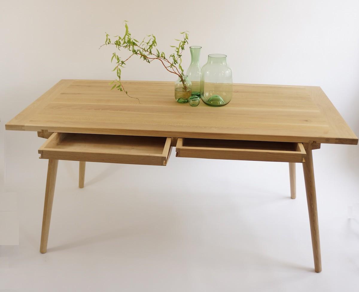 eichenholztisch nikklas mit schubladen anton doll. Black Bedroom Furniture Sets. Home Design Ideas