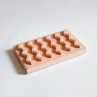 Seifenablage aus Porzellangips / Skin / objet vague
