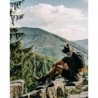 """Bewooden Schwarzer Roll-up-Rucksack mit Holzdetails """"Lini Rollup"""""""